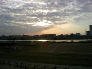 多摩川サイクリングロード夕日